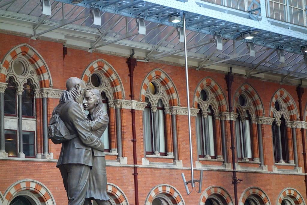 The-Meeting-Place-St-Pancras